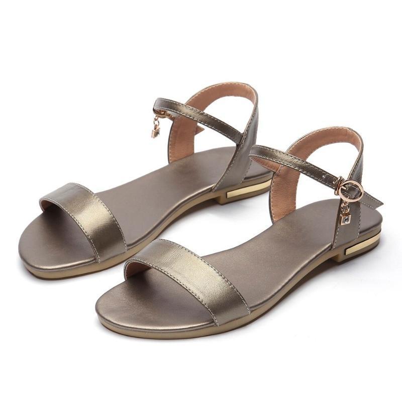 Sandales Femmes Boucle Bracelet 2021 Femme Cristal Appartements Été Femmes Casual Chaussures de plage Grand Taille 34-43 Mesdames Footwear confortable