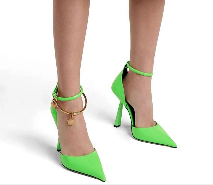 Sexy sandal women solid open toe shoes, thin fashion with ankle straps, party dresses, and covered heel