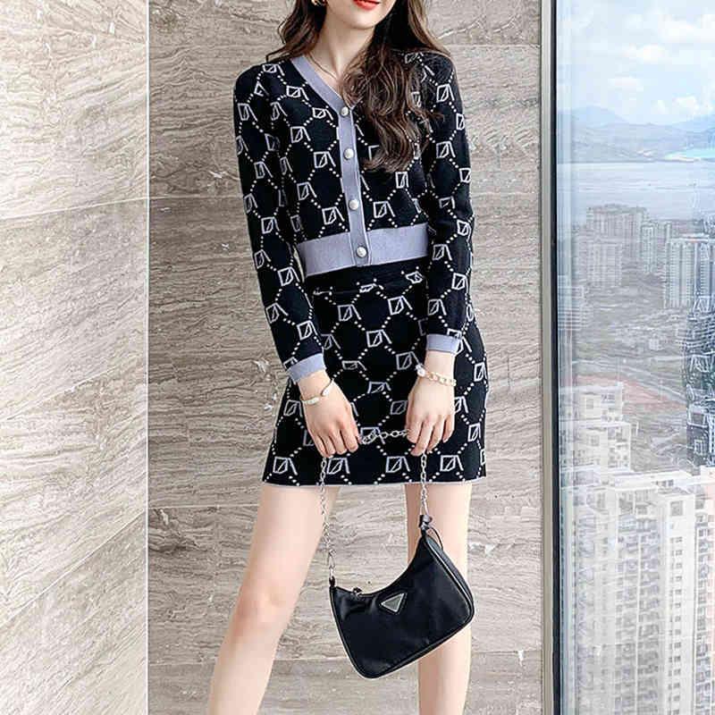 Paris Mädchen Chic Office Damen Single Breasted Pearl Knöpfe Strickjacke Pullover + Minirock Anzug Frauen V-Ausschnitt gestrickt 2 Stück Set 210524