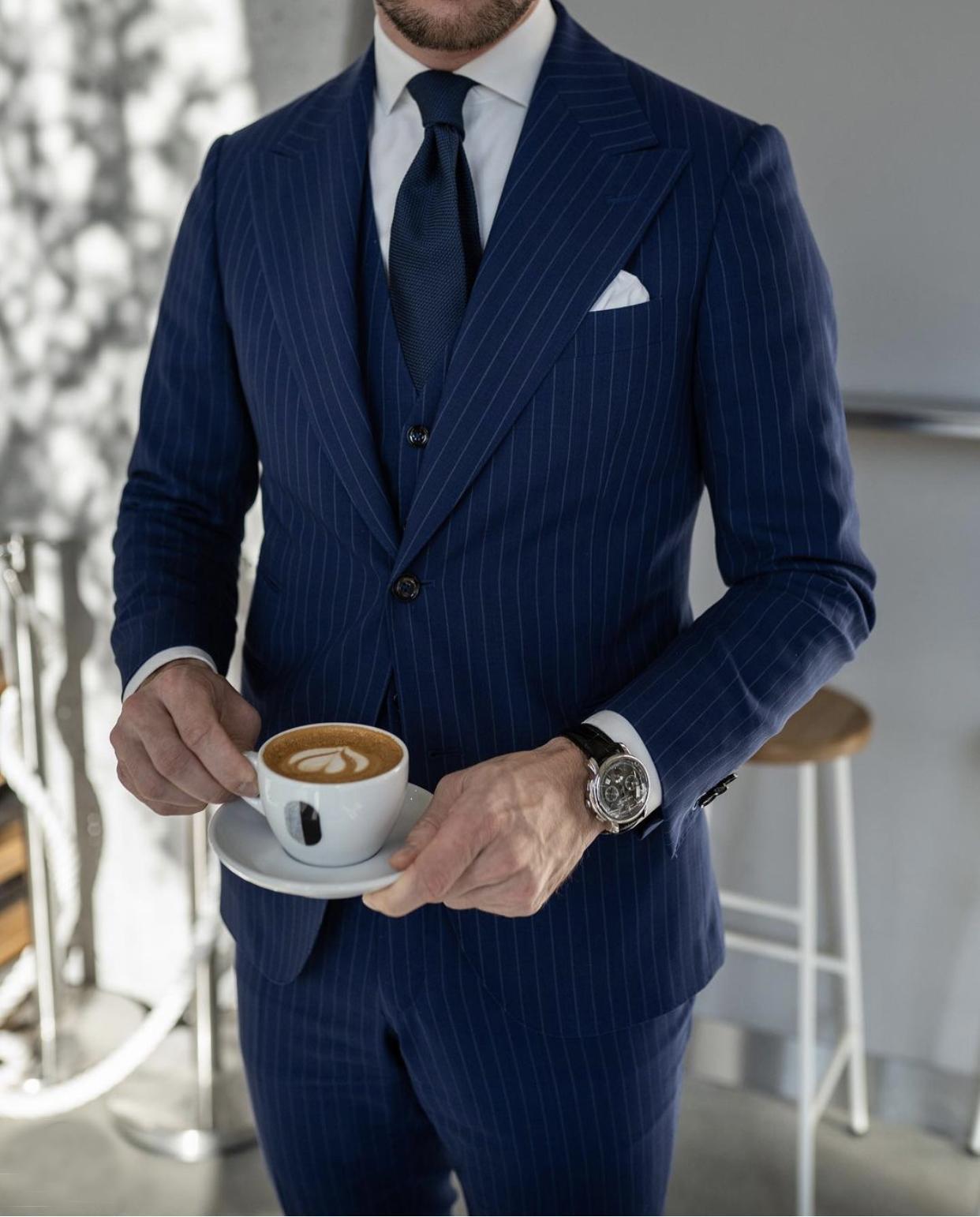 2021 الأزرق الداكن حبل الشريط الزفاف البدلات الرسمية رجالي الدعاوى يتأهل ذروة التلبيب حفلة موسيقية بريستمان العريسان السترة التصاميم 3 قطعة مجموعة (سترة + سروال + سترة + التعادل) مخصص