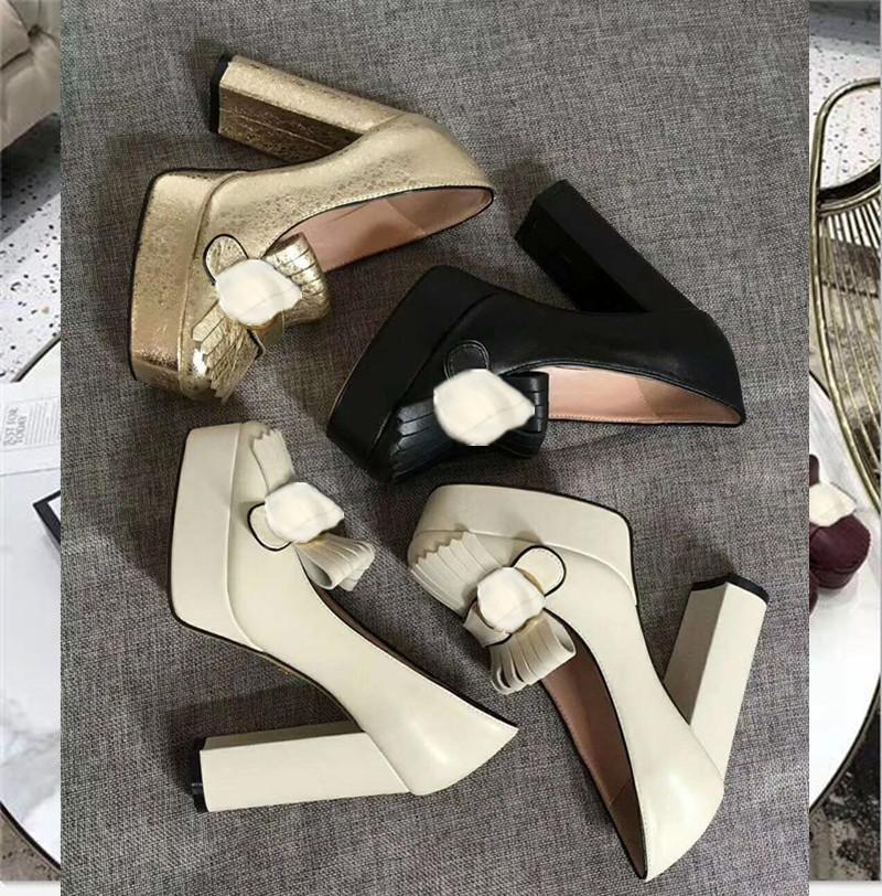 2021 Designer Forma Formal Sapatos Super Alto Salto Água Tabela Tassel Botão de Metal Logo Qualidade Autêntico Luxo Elegante 35-41