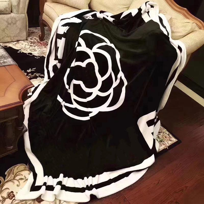 210*220cm Black and White camellia Designer Throws Blankets Sofa Bed Plane Travel Towel Blanket gift