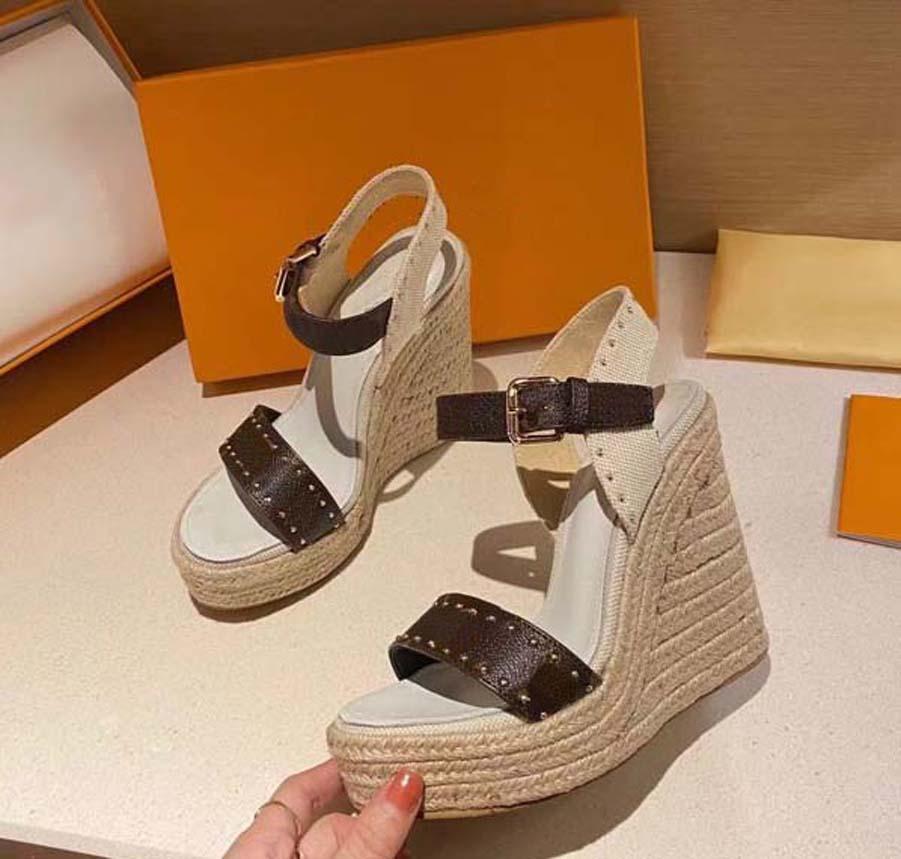 Alta Qualidade Newlassic Heeled Heeled Sandálias Wedge Calconha Cowboy Mulheres Sapatos Vestido Sapato De Metal Fivela Para Partes Ocupação Sexy Home011 11