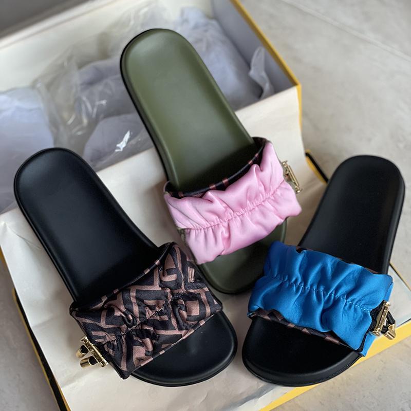 Kahverengi Saten Slaytlar Kadın Tasarımcı Terlik Altın-Finish Logo Stoper İpli Bayanlar Kız Sandalet Yaz Plajları Rahat Ayakkabılar En Kaliteli Kutusu 316