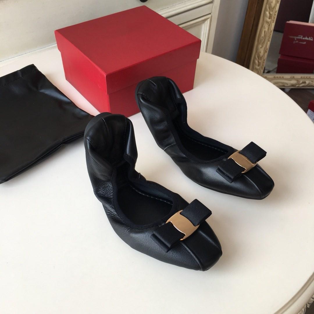 Süper Yumuşak Ve Rahat Geniune Deri Ayakkabı Lüks Tasarım Katlanabilir Kavisli Flattie Balerin Elbise Ayakkabı Yay Dekorasyon Bayan Slip-On 35-40