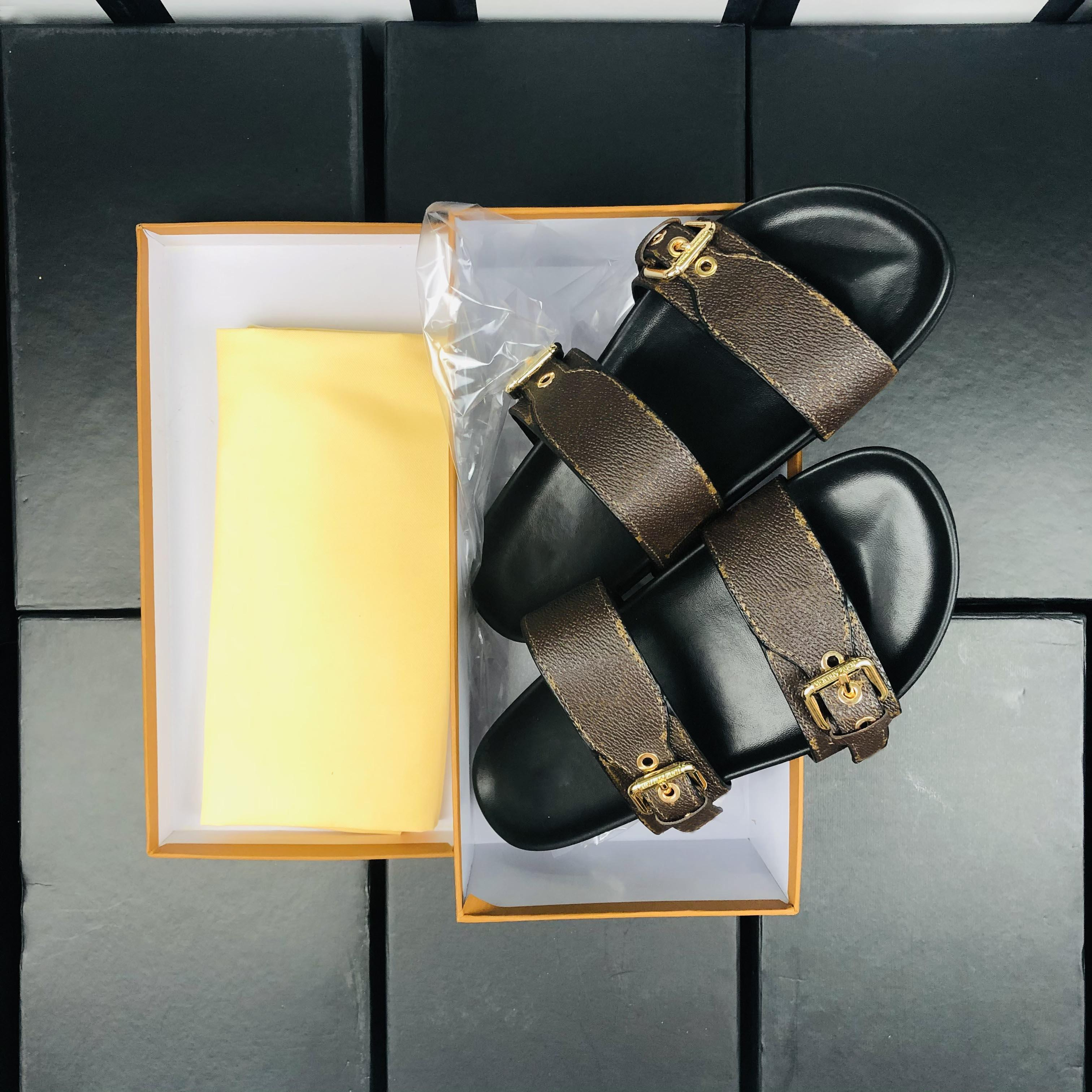 Donne Summer Pytchers Slide Bom Dia piatta mula piatto 1A3R5M Cool Slifts Elegante senza sforzo 2 cinghie con fibbie dorate regolate Sandali logo scatola di grandi dimensioni 35-42