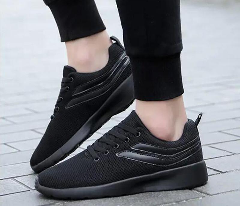 2021 جودة عالية أحذية رجالي الاحذية أزياء الصيف أبيض أسود أصفر أحمر أربعة مواسم شبكة مجوفة وتنفس المدربين الرياضة حذاء رياضة عشرة