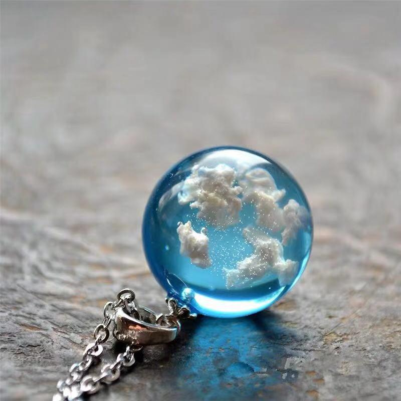 Chains HUANZHI 2021 Transparent Resin Blue Earth Clouds Birds Pendant Necklace Sliver Color Metal Chain For Women Girls Party Jewelry