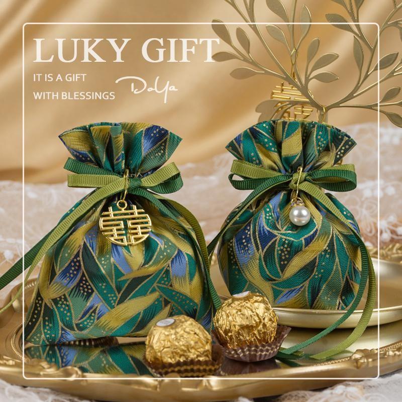 Kleine frische High-End-Souvenir-Süßigkeiten-Tasche für Rasen-Hochzeits-Favor Geschenk-Geschenkbox Favors 10pcs / 30pcs Wrap