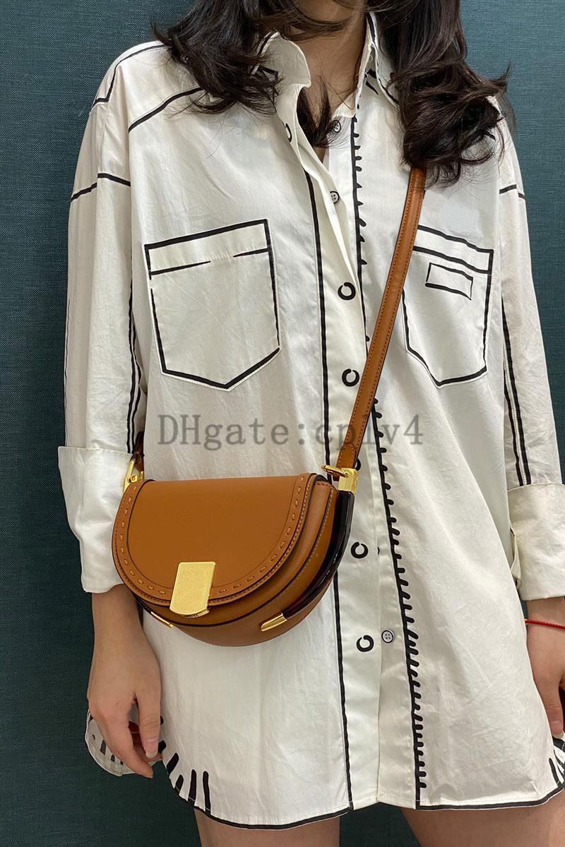 2021 verão moda mulheres couro personalidade saddle sacos mensageiros pequenos redondos ff ombro bolsa bolsa bolsa