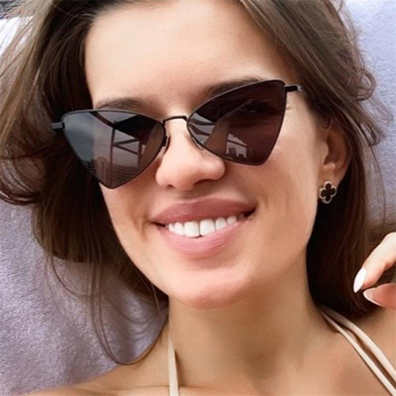Lunettes de soleil 2021 Mode Designer Triangle pour femme Femme Alliage Cadre Couleur Lens Punk Outdoor Eyewear UV400