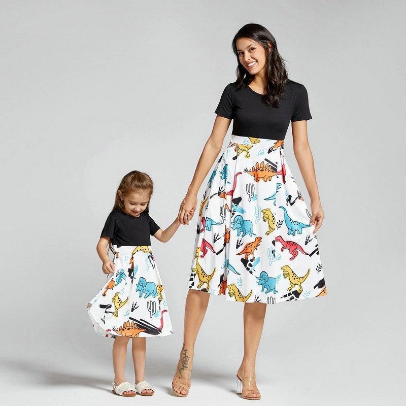 Mamá Vestido de manga corta Dinosauria Familia Mirar la ropa correspondiente Trajes de parche Madre Madre Vestidos Mamá y yo
