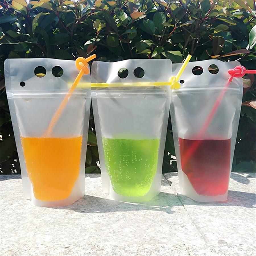زجاجات المياه البلاستيك شرب الحقائب أكياس مع القش سستة غير سامة غير سامة المتاح حاوية الحاويات حفلات المائدة