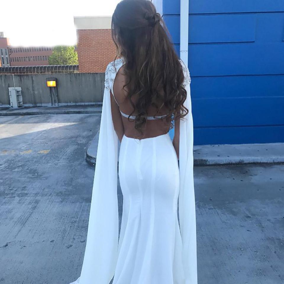 Robes de soirée à décalque à manches blanches avec perle à col haut robe de bal de bal de bal