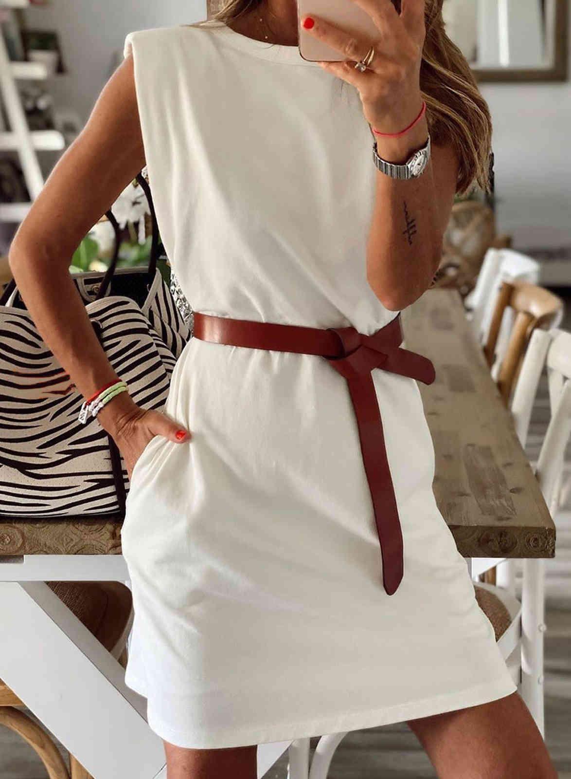 2021 Primavera y verano Color de colores sólidos Cuello redondo con bolsillo Casual Casual Falda corta