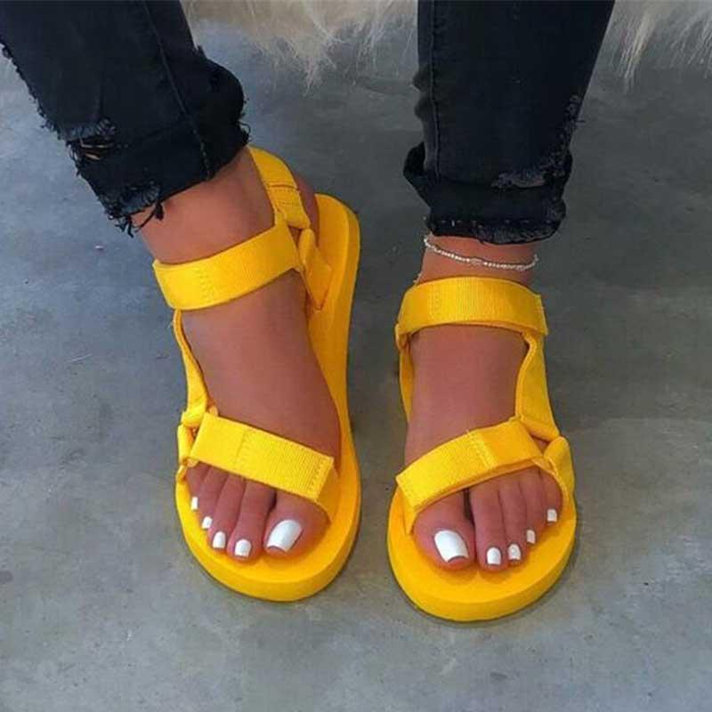 النساء الأحذية 2021 الصيف الأمامي أصابع صندل الجبهة الخلفية حزام الإناث منصة شقة رغوة صندل وحيد السيدات مريحة عارضة الأحذية