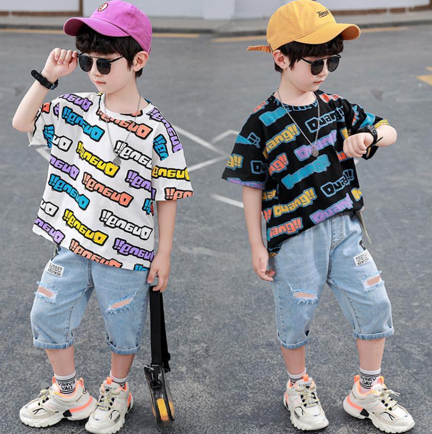 Мальчики Летняя джинсовая одежда наборы одежды мода дети красочные буквы напечатаны с короткими рукавами футболки + отверстие наполовину джинсы 2 шт. Детские Causyboy повседневные наряды A6537