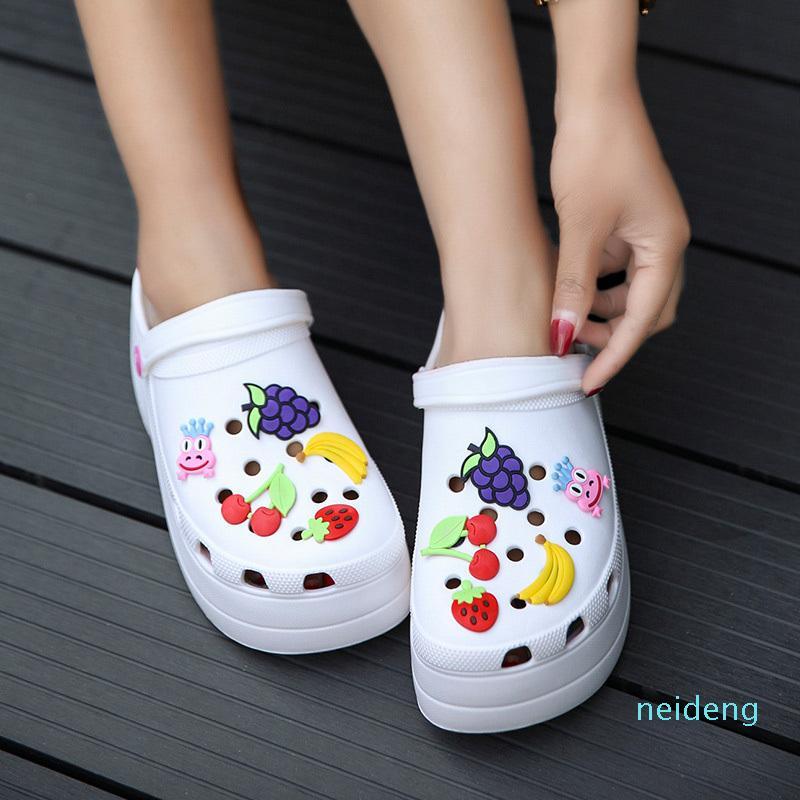 Verano Mujer Plataforma Jardín Sandalias Dibujos animados Fruta Croc Zuecos Ladies Slippers Slip On Girl Beach Zapatos Moda Diapositivas Dos Use 2021