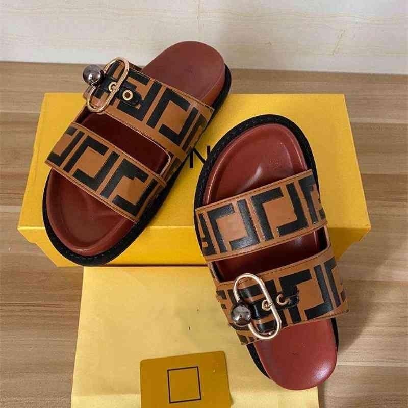 2021 Pantofole da uomo e da donna in stile caldo, stile casual in stile classico, sandali da donna e pantofole da uomo + scatola grossisti