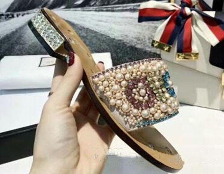 2021 Top Signore Scarpe da sposa Scarpe da sposa Pearl Pantofole colorate Lettere colorate Sandali di marca di modo Sandali da donna con altezza Dimensioni 35--40