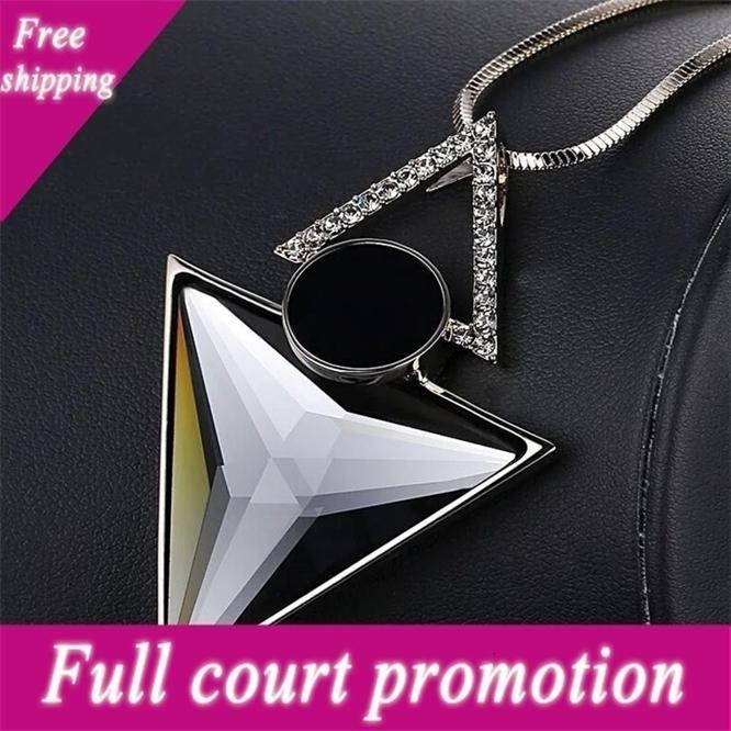 Triângulo coreano triângulo de alto grau de cristal incrustado diamante camisola cadeia elegante temperamento longo colar