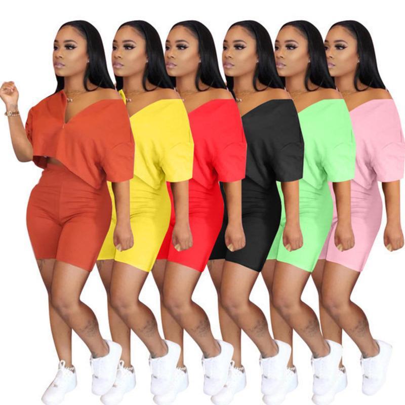 Дизайнерские наряды 2 шт. Набор трексец с коротким рукавом Sportswear Slim Рубашка Друждающаяся Спортивные костюмы Плюс Размер Женская Одежда S-3XL