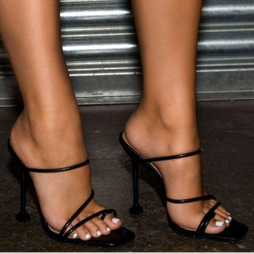 Sandali delle donne Sandali Snake Print Strappy Mule Tacchi Sandali Pantofole Donne Tacchi alti Flip Flops Square Toe Slides Slides Shoes Shoes Woman waeyer4yre4wy
