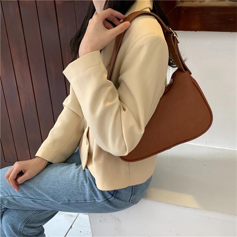 Mujeres Vintage Uette Handbag Soft Cuero Subaxilar Subaxilar Bolsas Pequeñas Bolsas Femeninas Messenger Packs Totes C