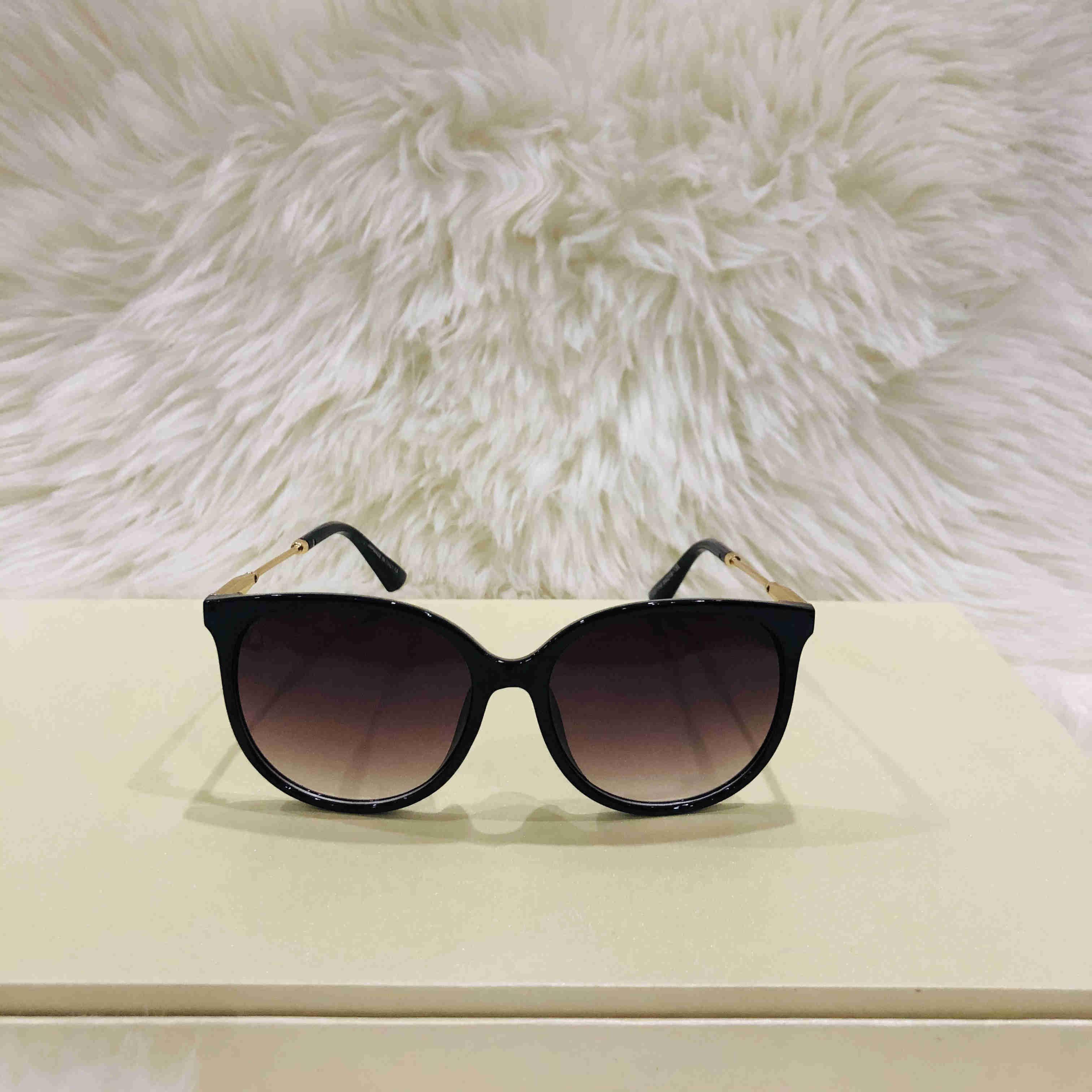 1719 Designer Sunglass Occhiali da sole Occhiali da vista Outdoor Shades PC Frame Fashion Classic Lady Occhiali da sole Specchi per le donne Occhiali da sole di lusso