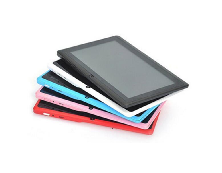 7 인치 태블릿 PC Q88 안드로이드 시스템 Allwinner A33 쿼드 코어 와이파이 블루투스 프레스 화면 카메라 어린이 화이트 또는 블랙