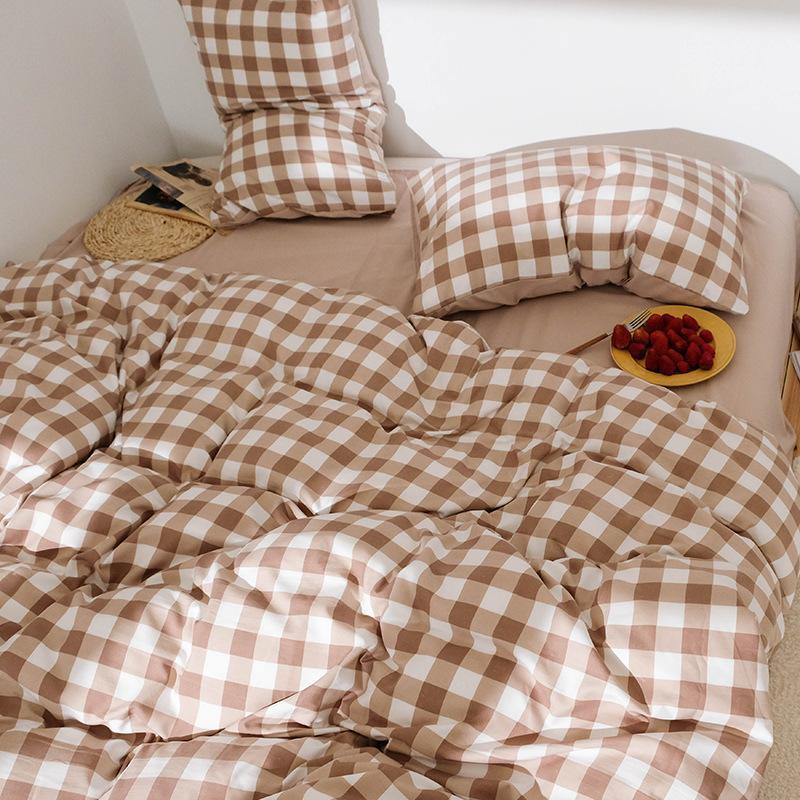 Japanische Hautfreundliche Plaid-vierteilige Set-Steppdecke Bettblatt 1,5 / 1.8 Bettwäsche-Home-Sets