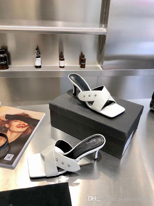 2021 Pantofole di punta aperte quadrate da donna Pantofole a punta aperta Sexy Summer Summer Lace Up Diamond Design Pantofole in pelle di alta qualità con telaio 35-40