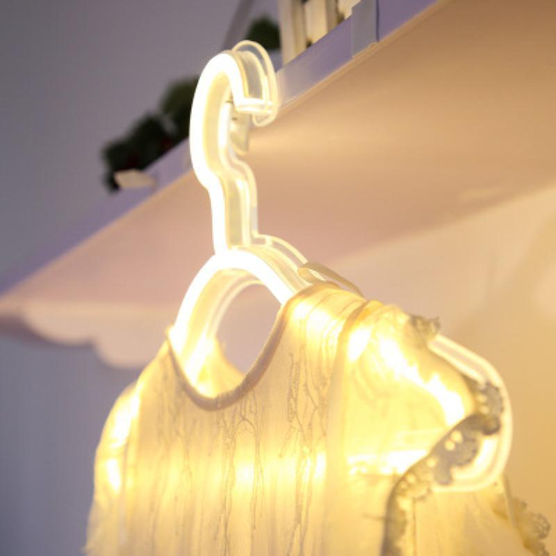 USB / LED Neon Light Hanger USB alimentado por la noche Dormitorio Inicio Ropa de boda Tienda Decoración de la pared Regalo de Navidad Perchas para percheros