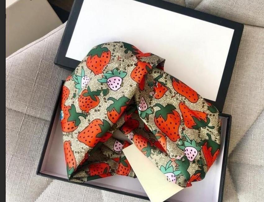 Diseños gratis Seda Elástica Mujeres Diademas Moda Girls Strawberry Pein Bands Bufanda Accesorios para el cabello Regalos Caliente Mejor Headwraps