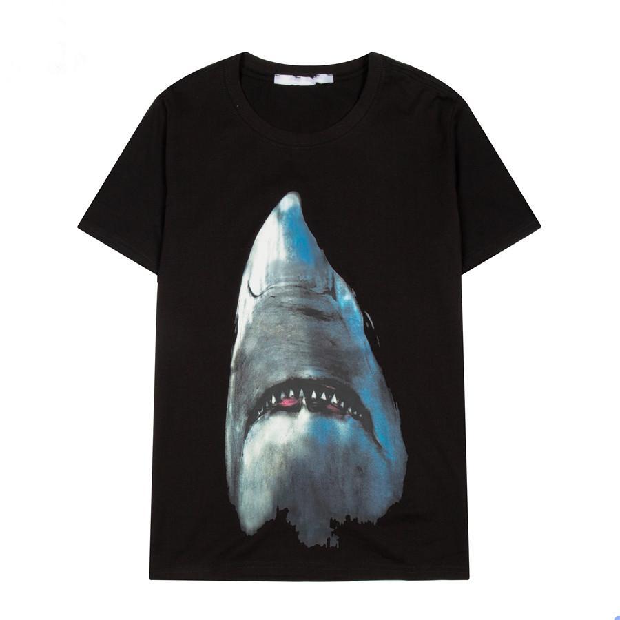 21SS Luxury Ricamo Signature Streetwear T-Shirt Uomo Moda Squalo Stampa Tshirt Designer Tees Camicia uomo Estate Abbigliamento Abbigliamento Crew Clow Tops
