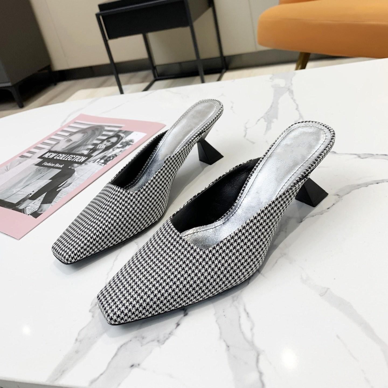 Mode Design Femme Heel Heel Heel Chaussures Haute Qualité Tweed Sandales estivales Sandales Sexy et élégantes Chaussons à talons hauts avec la tête carrée 35-41