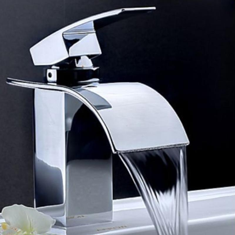 Torneiras de cozinha Deck Mount Waterfall Torneira Banheiro Vaitismo Vaidade Pias Misturador Torneira Frio e Água Comércio varejista