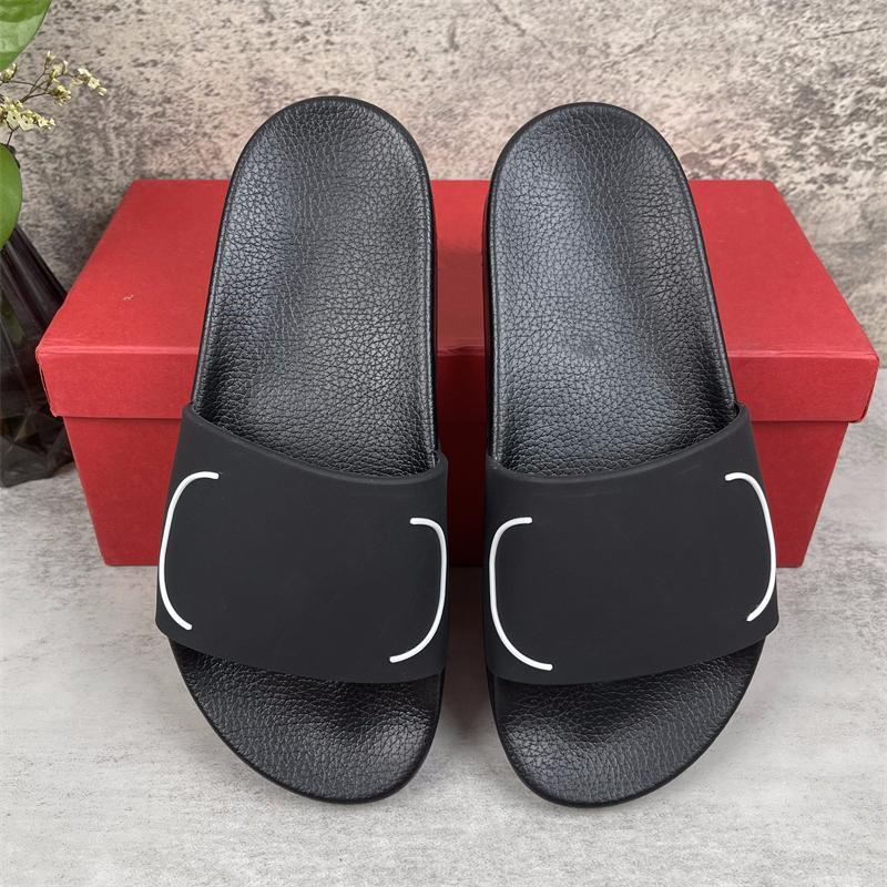 [AVEC BOÎTE] Top Qualité Paris Pantoufles De Mode Femmes Sandales en caoutchouc d'été Femmes Beach Slide Slide ScuffsSindoor Chaussures Taille EUR 35-46