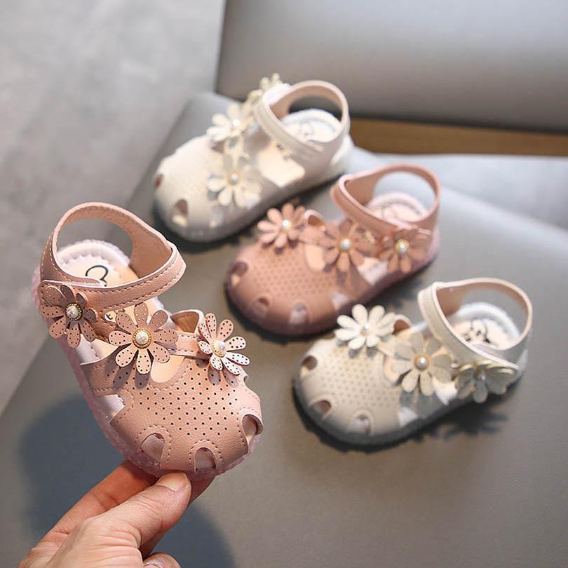 طفل الصنادل أطفال أحذية الأطفال ارتداء فتاة الأحذية الصيف لينة الوحيد طفل الأميرة الجلود زهرة صندل الرضع B6998