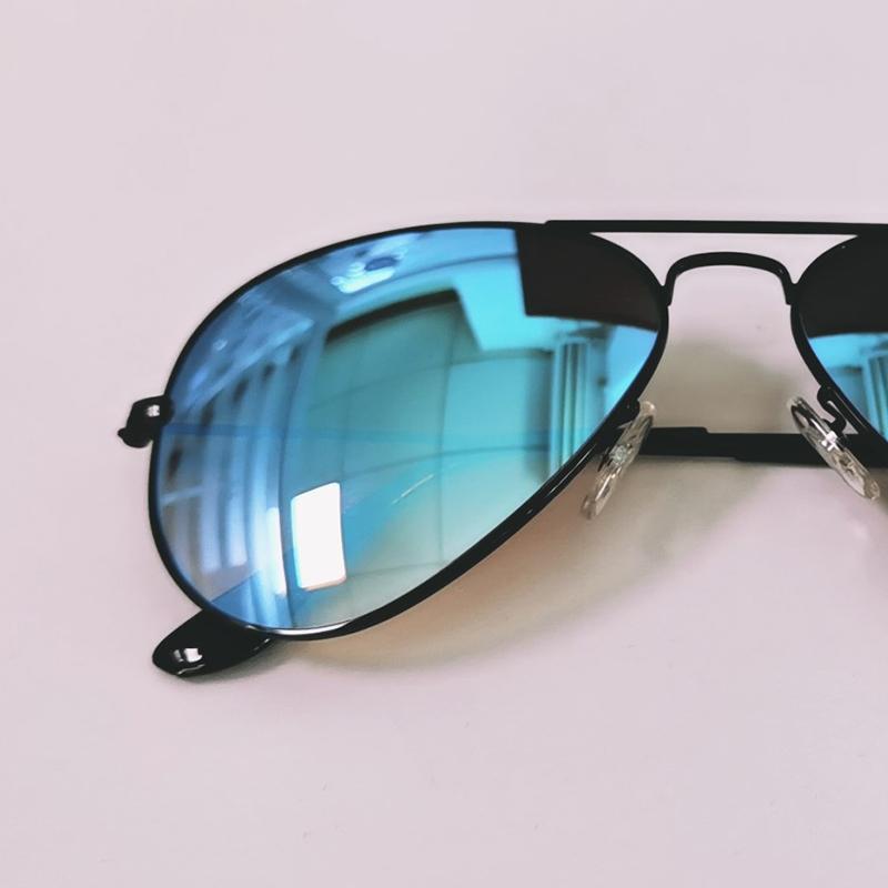 جودة عالية الأزياء نمط النظارات الشمسية بالأبيض والأسود والأبيض العمودي المشارب الجاموس القرن بدون شفة الذكور نظارات أنثى للجنسين