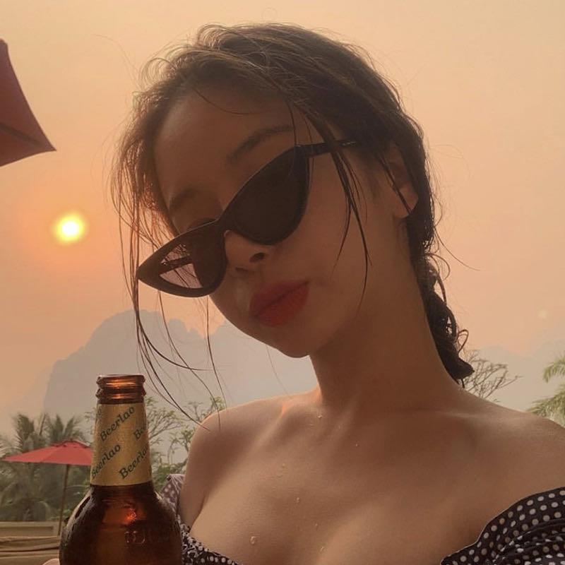 Mujeres Gafas de sol Vintag Triángulo Cat Eye 2021 Moda Negro Negro Pequeñas gafas de sol Viajes al aire libre