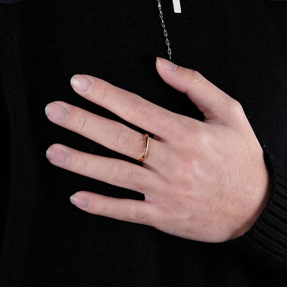 2021 дизайнерские дизайнеры мода алмазная инкрустация маленький квадратный титановый сталь мужская и женская циркона пара кольцо Лучший друг Средний палец простой хвост
