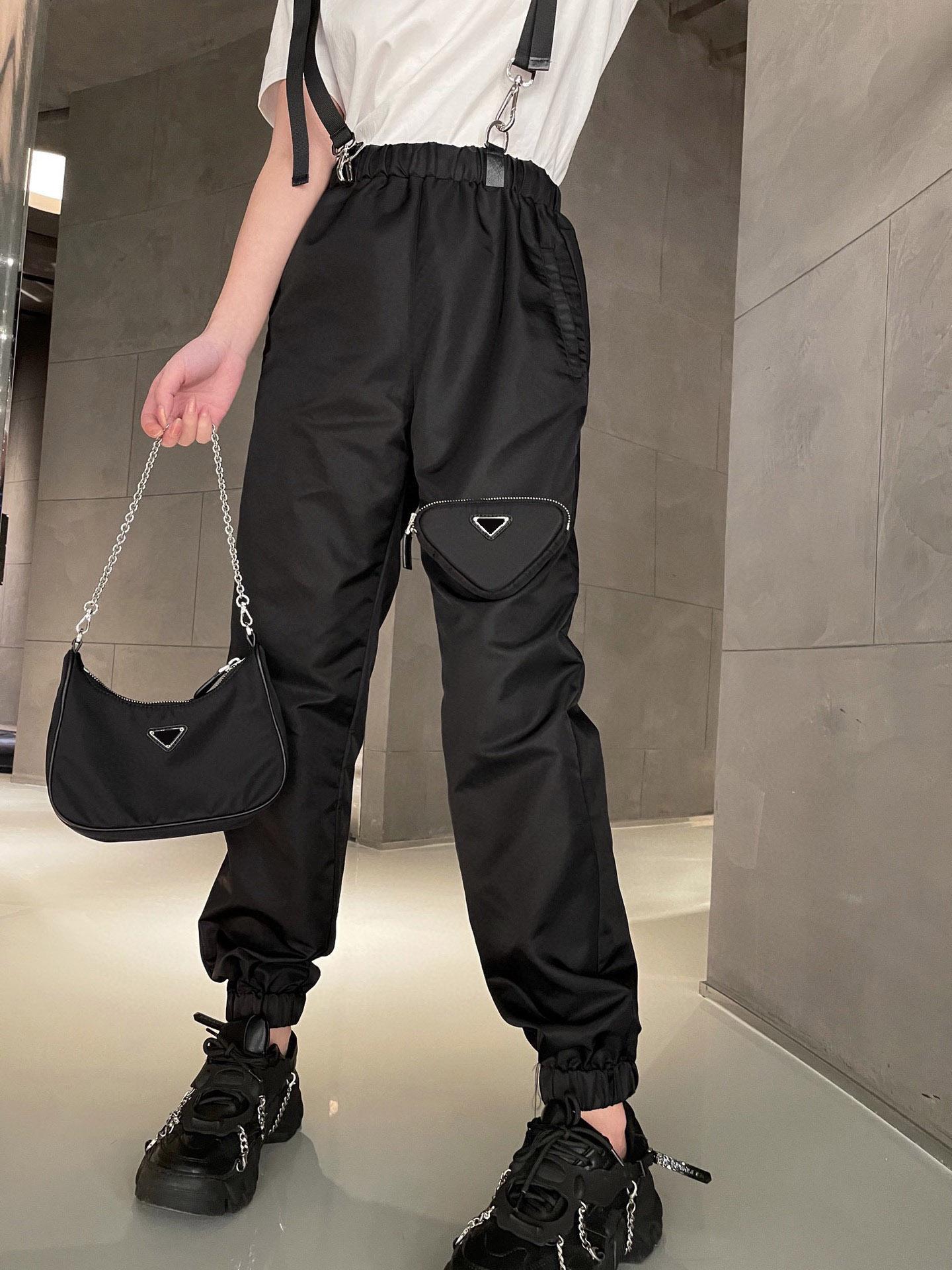 21 Avrupa Sıcak Modeller Bayan Pantolon Gündelik İş Alışveriş Tulum İthal Naylon Yüksek Kaliteli En İyi Fashionistas Gevşek Ve Konforlu Kayış Tasarım Pantolon