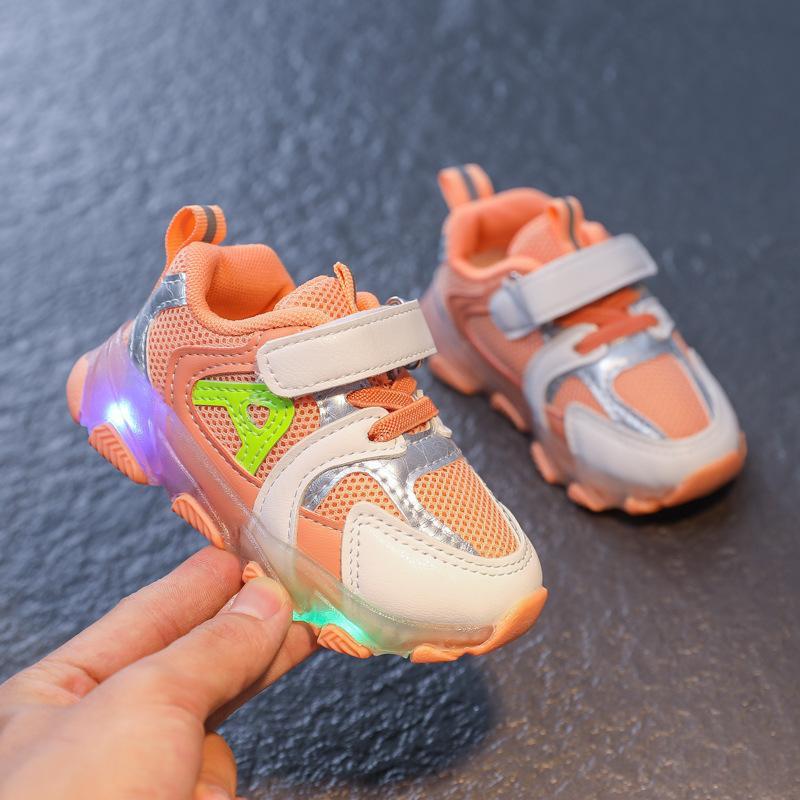 Qualità Bambini Buoni Ragazzi Ragazze Led Light Up Scarpe Scarpe Mescoli Sneakers luminose Bambino traspirante Blowing Bambini Anti-slippery Casual Scarpe
