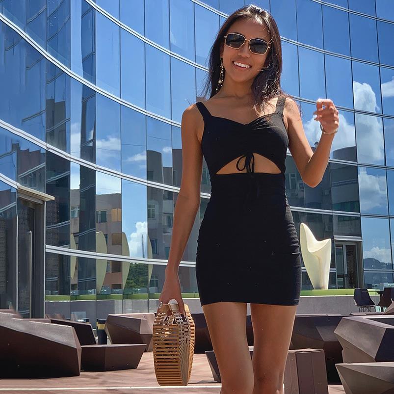 Femmes Robes Spaghetti Strap Mini Robe Creux Sans manches Slim Slim Lady Mujer Femme Vêtements Porter Sexy Summer