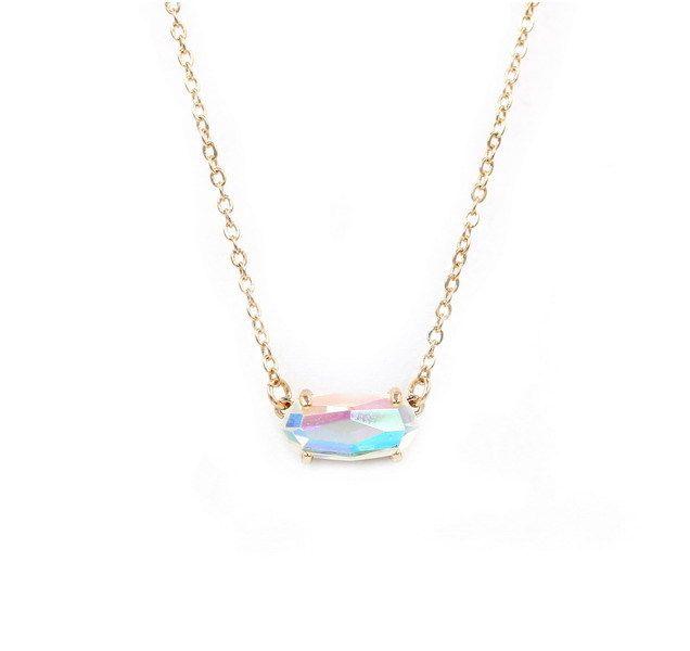 Kendra-Stil kleine ovale facettierte dichroitische Kristall-Mode-Stein-Halskette für Frauen o6vd