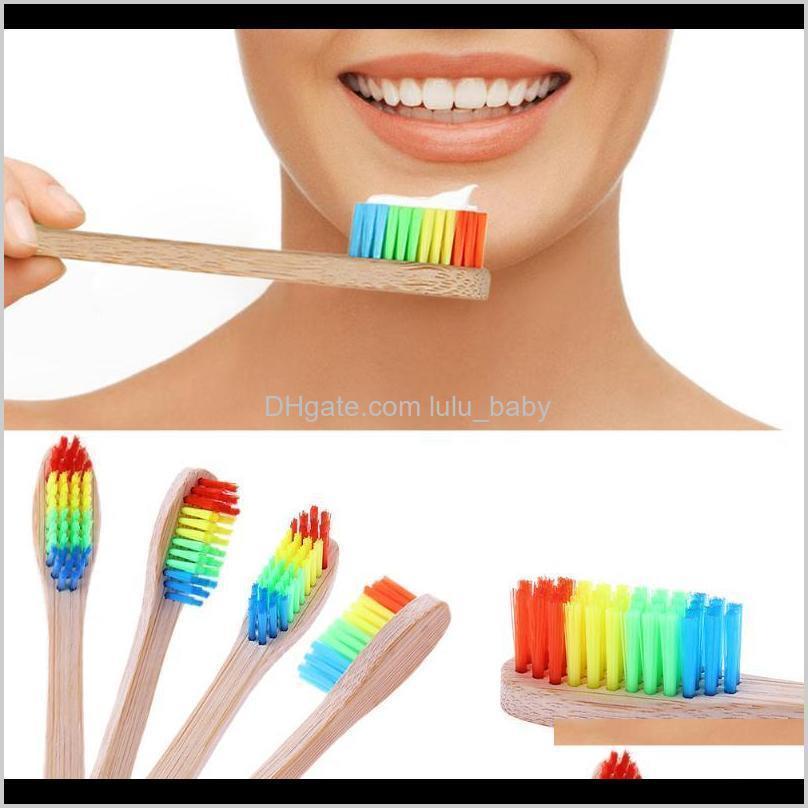 4 adet Diş Doğal Bambu Renkli Diş Fırçası Seyahat Gökkuşağı Oral Hijyen Yumuşak Diş Fırçaları Kafa Fırça Dişleri 0MV4U D0U79