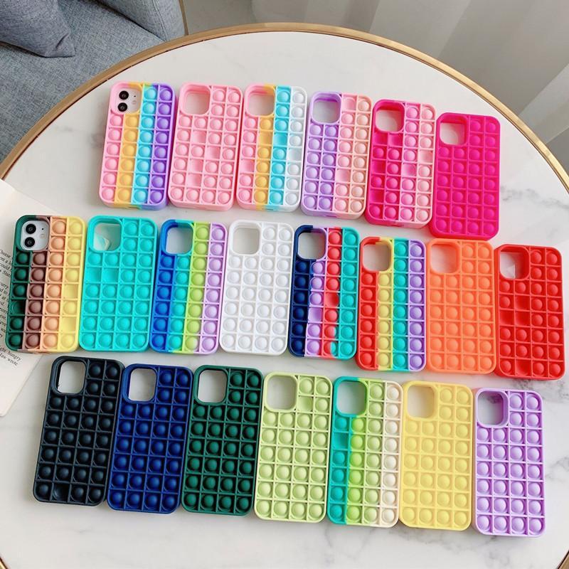 2021 Arrivo Pop Fidget Bubble Silicone Cellulari in silicone Custodie per iPhone 7 8 Plus X XS XR 11 12 Pro Max Phone Beause Custodia Rivive stress