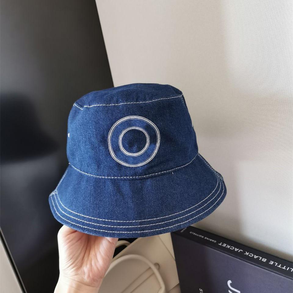 Gorra de baloncesto del sombrero de la moda para el hombre de la calle de la calle de la calle del hombre gorras de ocio al borde del ocio 3 color con la letra altamente calidad al borde grande