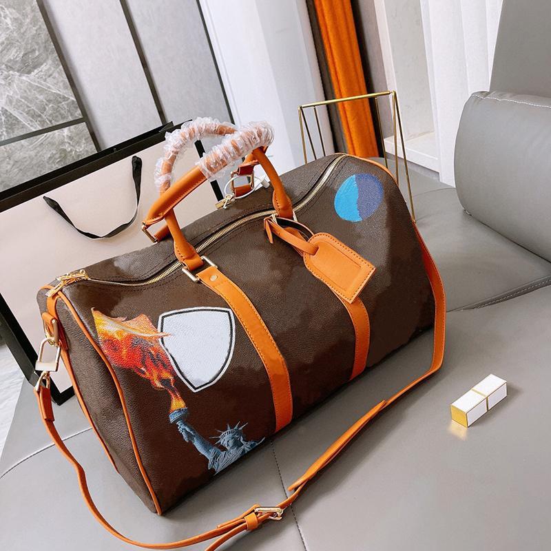 Marke Frauen Luxus Designs Reisetasche Mann Tragbare Große Kapazität Camouflage Logo Fitnessstudio Single Shlope on Business Kurz Gepäck 2021